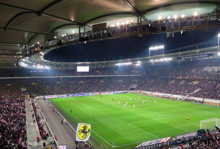 ausverkauftes Fußballstadion